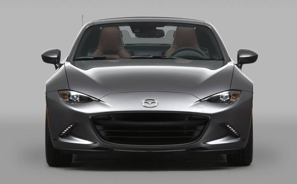 Le Mazda MX-5 RF a été présenté à New York