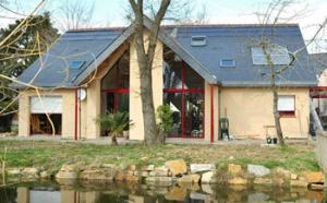Pays de Loire : des seniors se font construire une maison bio, durable et accessible
