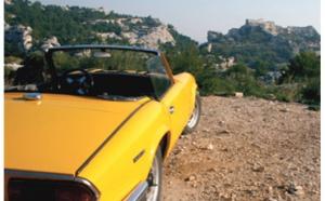 Les Alpilles au volant d'un cabriolet 70's : nostalgie et romantisme...
