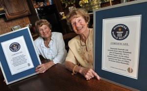 Record du monde : les jumelles les plus âgées sont Françaises !
