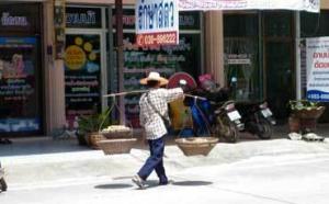 Rolande : une retraitée niçoise qui part s'installer en Thaïlande
