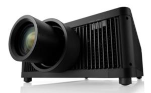 Un projecteur Sony qui diffuse des images 4k avec une luminosité de 10000