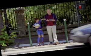 Assureurs Prévention : un spot intergénérationnel pour le prévention routière des piétions