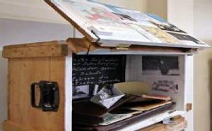 Faire place aux souvenirs : exposition itinérante à Paris de « boîtes souvenirs » réalisées par des personnes âgées