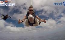 Australie : Irene O'Shea, à 102 ans, elle saute en parachute pour la recherche